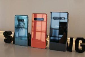 Samsung Galaxy S10: 'Kình địch' của dòng iPhone X ra mắt