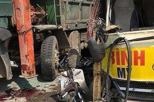 Tai nạn liên hoàn do xe quay đầu không đúng chỗ, 2 người chết