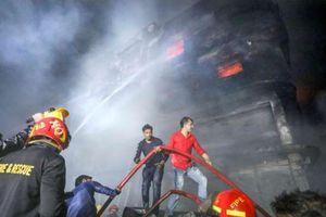 Hỏa hoạn tại Bangladesh: Số người thiệt mạng tăng mạnh, hầu hết là phụ nữ và trẻ em