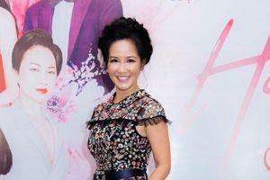 Hồng Nhung: 'Tôi không ngại cover các bài hit của đàn em'