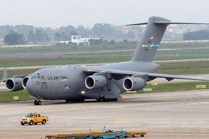 Tận thấy cảnh hạ, cất cánh của 'Ngựa thồ' C-17 ở sân bay Nội Bài