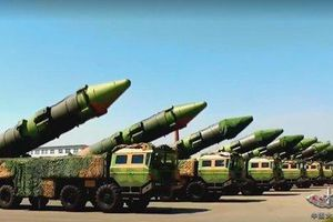 TQ rầm rộ 'quảng cáo' tên lửa đạn đạo