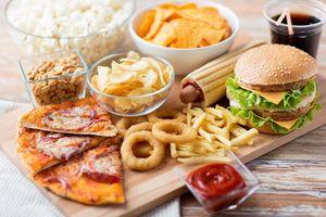 Mỗi ngày ăn 1 đùi gà rán sẽ làm tăng 13% nguy cơ tử vong