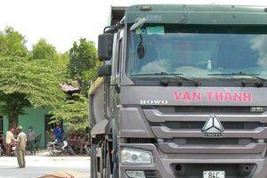 Hiện trường vụ va chạm với xe tải, người đi xe máy tử vong tại chỗ