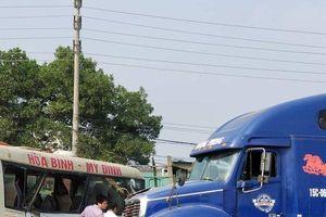 Xác định nguyên nhân ban đầu vụ tai nạn liên hoàn trên đại lộ Thăng Long