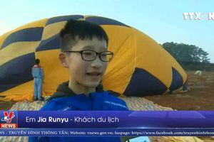 Ngắm phong cảnh trên khinh khí cầu ở Trung Quốc