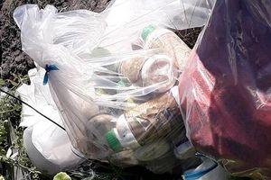 Phát hiện 1,5 tấn thuốc bảo vệ thực vật bị chôn lấp trái phép