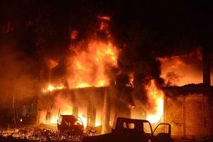 Ít nhất 81 người thiệt mạng trong vụ hỏa hoạn kinh hoàng tại Bangladesh