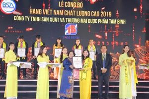 Dược phẩm Tâm Bình vinh dự nhận thưởng Hàng Việt Nam chất lượng cao 2019