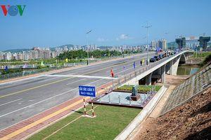 Sắp thông quan cầu Bắc Luân II nối Việt Nam - Trung Quốc