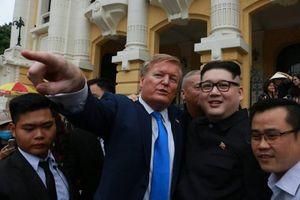 Bản sao ông Trump và ông Kim khuấy động đường phố Hà Nội