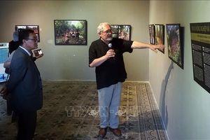 Trưng bày 250 bức ảnh của nhà khoa học Hungary về người Bru-Vân Kiều