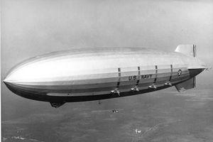 Ảnh hiếm 'hàng không mẫu hạm' trên không cuối cùng của Hải quân Mỹ