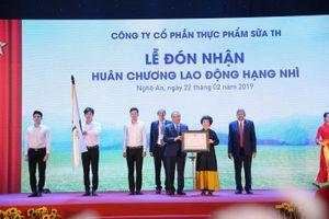 TH khánh thành nhà máy sản xuất nước và đón nhận Huân chương Lao động hạng Nhì