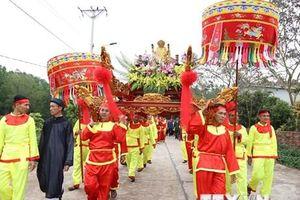 Lễ rước nước tại Lễ hội Thái Miếu nhà Trần ở Quảng Ninh