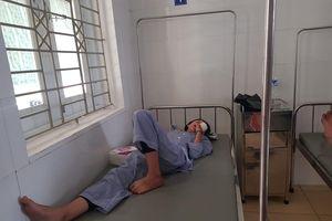 Nổ bình thí nghiệm trong giờ học, nữ sinh bị chấn thương mắt nghiêm trọng