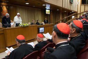Các nạn nhân bị xâm hại tình dục phá vỡ sự im lặng tại Vatican