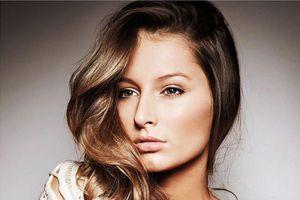 Hi hữu: Cựu Hoa hậu Hòa bình Quốc tế bị tước vương miện vì muốn thi Miss Universe