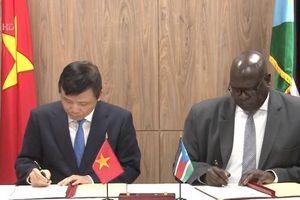 Việt Nam thiết lập quan hệ ngoại giao với Nam Xu-đăng
