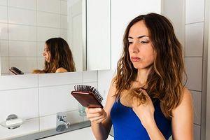 Nguyên nhân khiến mái tóc của bạn xơ rối và hư tổn.