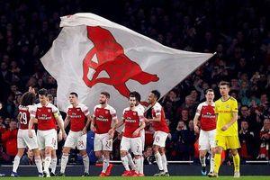 Vòng 1/16 Europa League: Cặp trung vệ lập công đưa Arsenal đi tiếp