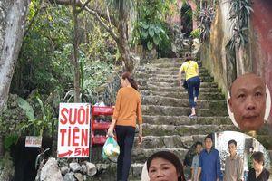 Lật tẩy chiêu trò mua thần bán thánh lừa hàng nghìn người mê muội tại chùa Hương