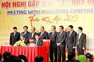 Thủ tướng Nguyễn Xuân Phúc dự Hội nghị gặp mặt các nhà đầu tư tại Nghệ An