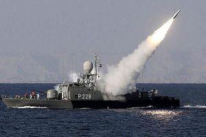 Iran tập trận rầm rộ với sự tham gia của tàu chiến mới nhất