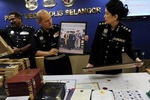 Malaysia: 'Khui' hàng loạt chính trị gia dùng bằng cấp giả