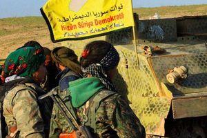 Không quân Mỹ không kích IS, người Kurd giải thoát những kẻ bịt mặt ở Deir Ezzor