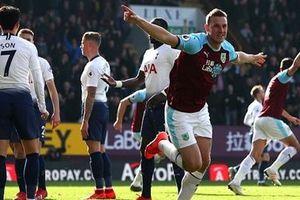 Harry Kane tái xuất, Tottenham gục ngã trước Burnley