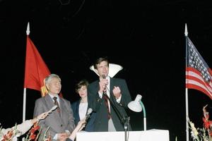 Hình ảnh về quan hệ Việt Nam-Hoa Kỳ qua các thời kỳ