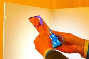 Huawei Mate X trình làng: Màn hình có thể gập lại, sạc siêu nhanh 55W