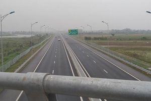 Bắt quả tang 3 học sinh ném đá vào ô tô đang lưu thông trên cao tốc Hạ Long - Hải Phòng