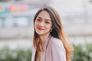 Góc thử thách: Nếu bạn là 'fan cứng' của Hương Giang, vậy thì ngày này năm trước của cô nàng có gì đặc biệt?