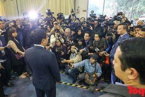 Hình ảnh phóng viên quốc tế 'chạy đua thông tin' trước thềm hội nghị thượng đỉnh Mỹ - Triều