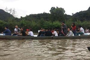 Nhiều người không tuân thủ an toàn đường thủy trên suối Yến
