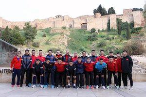 Đội tuyển futsal Việt Nam ra sân tập tại Malaga