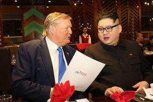 Bản sao Donald Trump và Kim Jong Un cùng nhau dùng bữa tối tại Hà Nội