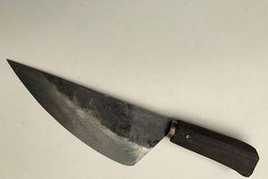 Mâu thuẫn trên bàn rượu, dùng dao bầu đâm chết bạn nhậu