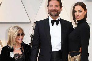 Bradley Cooper và hành động gây sốt toàn thế giới khi đứng giữa 2 người phụ nữ