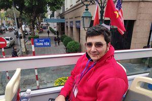 Phóng viên quốc tế: 'Nhìn từ xe buýt hai tầng, Hà Nội thật đẹp!'