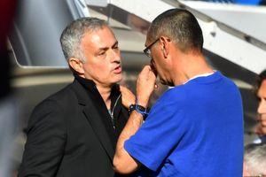 HLV Mourinho: 'Thật may mắn khi tôi không ở trong tình cảnh của Sarri'