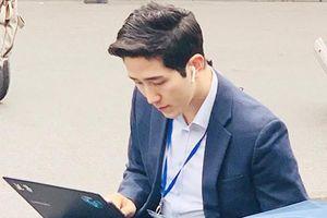 Phóng viên Hàn Quốc đưa tin từ Hà Nội được dân mạng khen đẹp trai