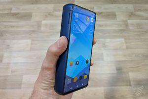 Smartphone dày như thớt, pin gấp 5 lần iPhone XS Max