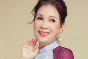 Nghệ sĩ quen mặt trên màn ảnh Kim Xuân trẻ trung ở tuổi 63