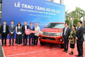 Toyota Việt Nam trao tặng xe Hilux cho tỉnh Tuyên Quang