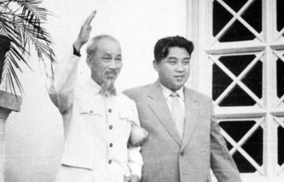 Những hình ảnh hiếm về Chủ tịch Hồ Chí Minh và Thủ tướng Kim Nhật Thành