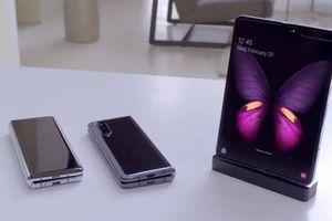 Cận cảnh Galaxy Fold màn hình gập, 6 camera giá 47 triệu đồng