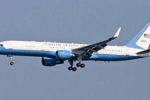 Chuyên cơ chở Ngoại trưởng Mỹ dự Hội nghị Mỹ - Triều vừa hạ cánh Nội Bài